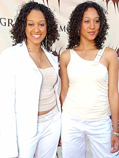 tia and tamera mowry twins